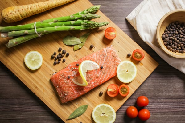 Diabetes-Friendly Salmon and Spring Veggies